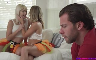 Jessie Saint And Katie Kush - threesome sex video