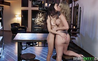 A hot blonde stepmom seduces her sweet stepdaughter secure having sex with him