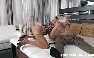 Appealing blondes give head in shunted aside to swap and share lovers