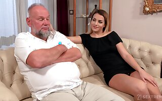 Older man is so earn licking sloppy pussy belonged to Bianca Booty
